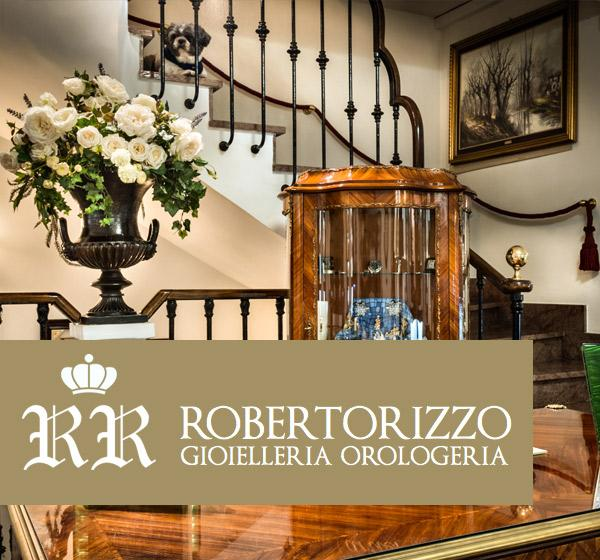 <span>Roberto Rizzo</span><i>→</i>