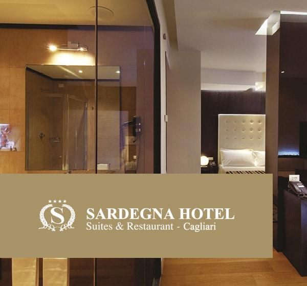 <span>Sardegna Hotel</span><i>→</i>